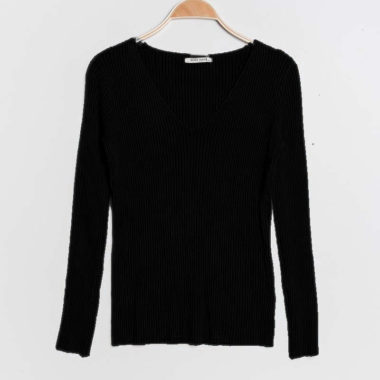 V-Neck Ribbed Pullover – Black