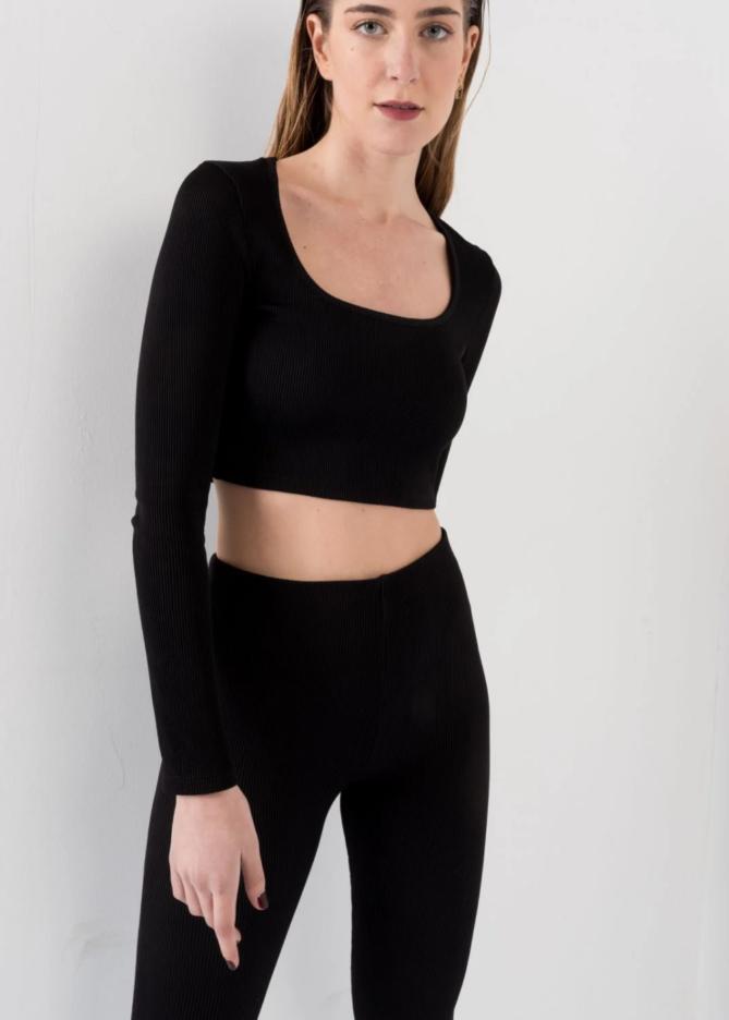 Black Long Sleeve Ribbed Crop Top